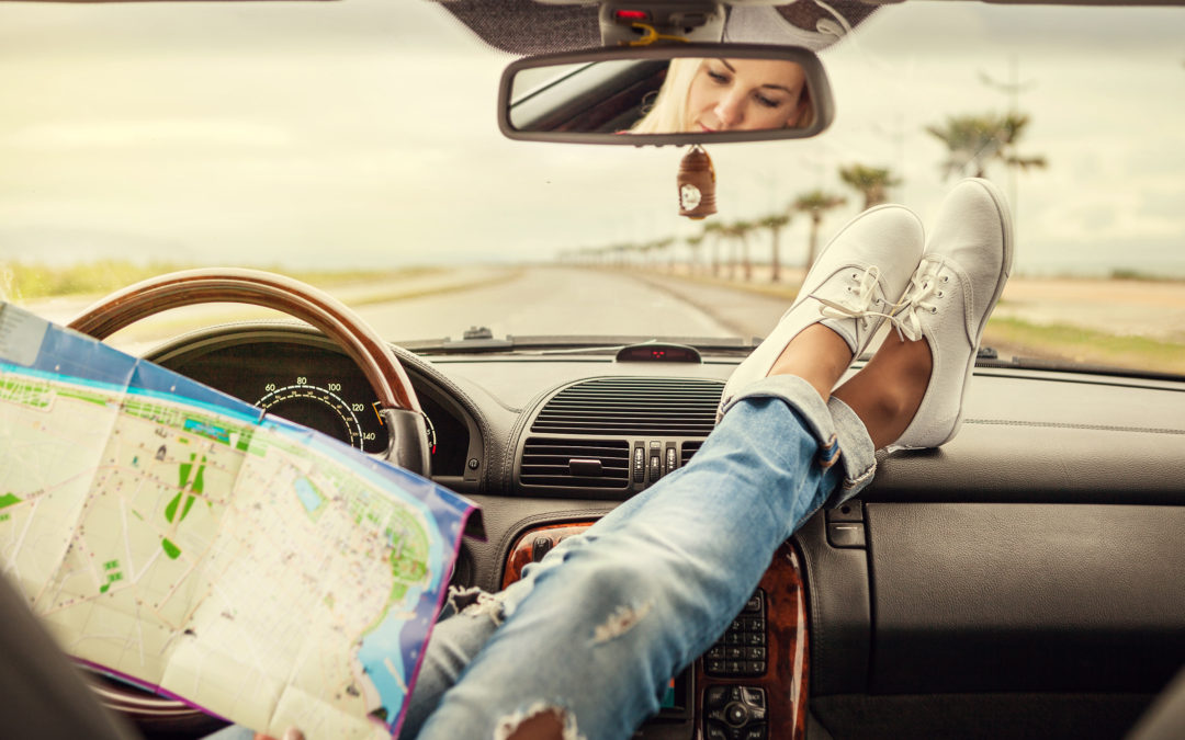 Why your rear view mirror is essential in deciding your next turn